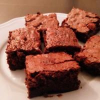 Csokis mogyorós brownie